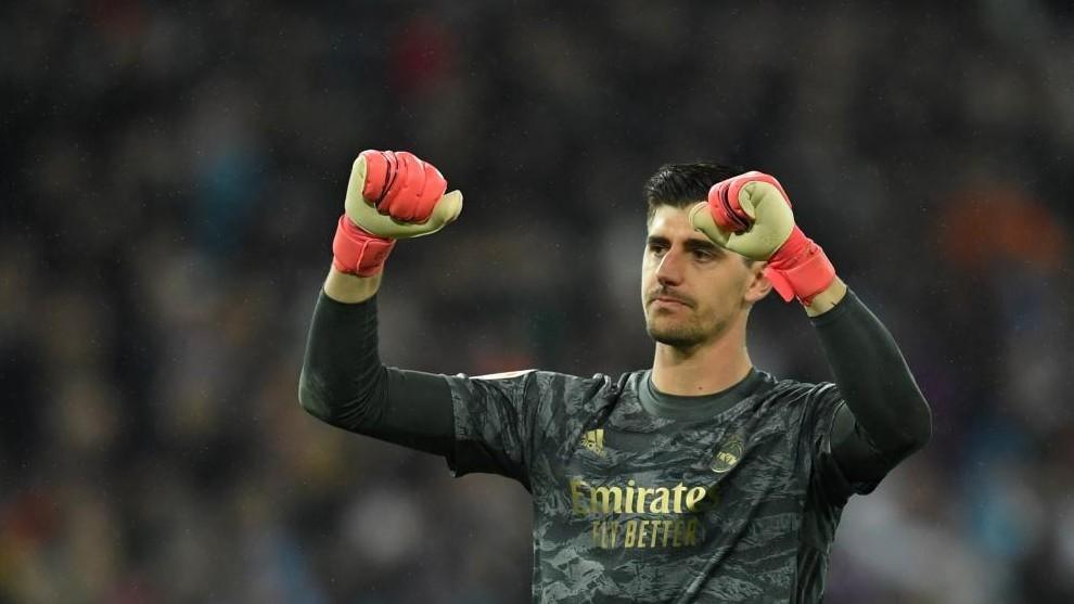 Courtois: I became a goalkeeper because of Casillas and then I watched Van der Sar - Bóng Đá