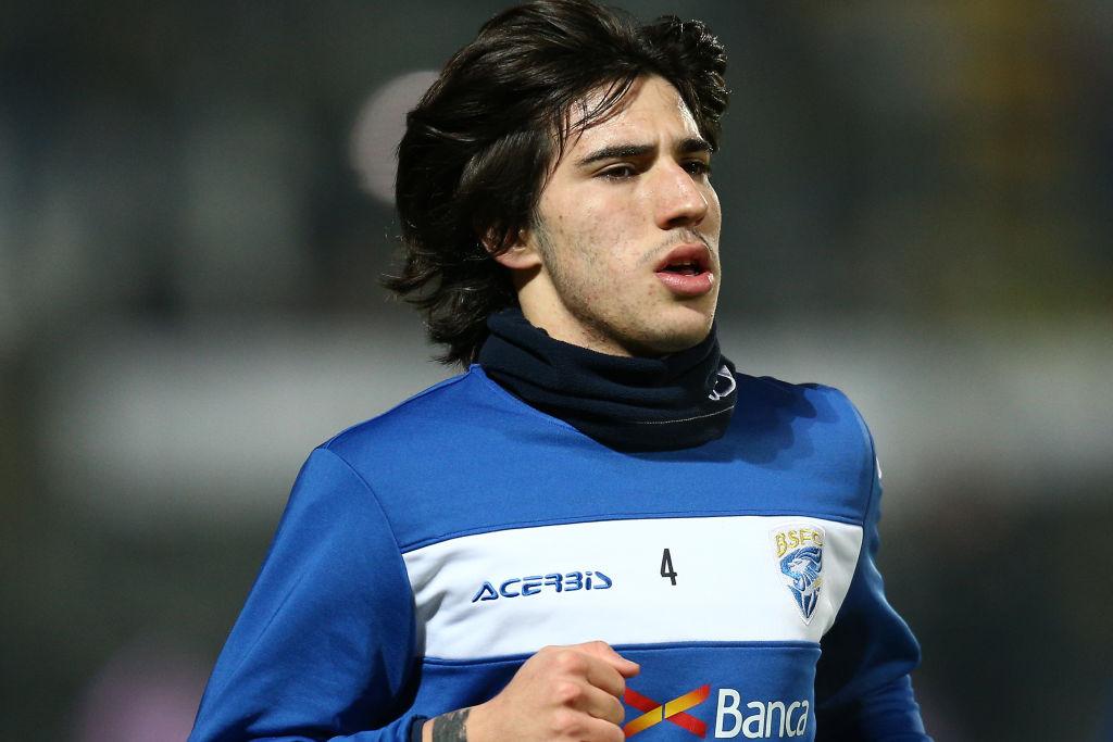 Barcelona 'lining up player-plus-cash offer for Sandro Tonali' - Bóng Đá