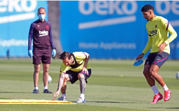 Messi is back to his best in training - Bóng Đá