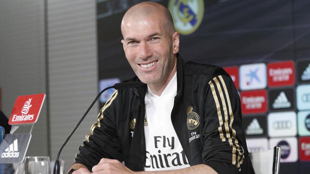 Zidane: I don't get involved with opinions on VAR - Bóng Đá