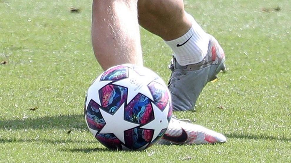 Barcelona player tests positive for COVID-19 - Bóng Đá