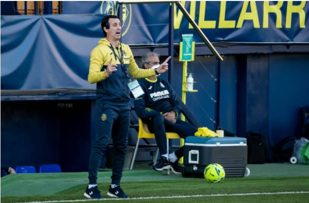 'El maestro' - Arsenal fans react to Unai Emery's table-topping start to life at Villarreal - Bóng Đá
