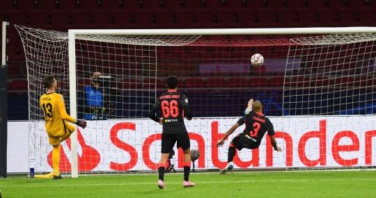 Fabinho speaks out on replacing Virgil van Dijk in Liverpool's defence  - Bóng Đá