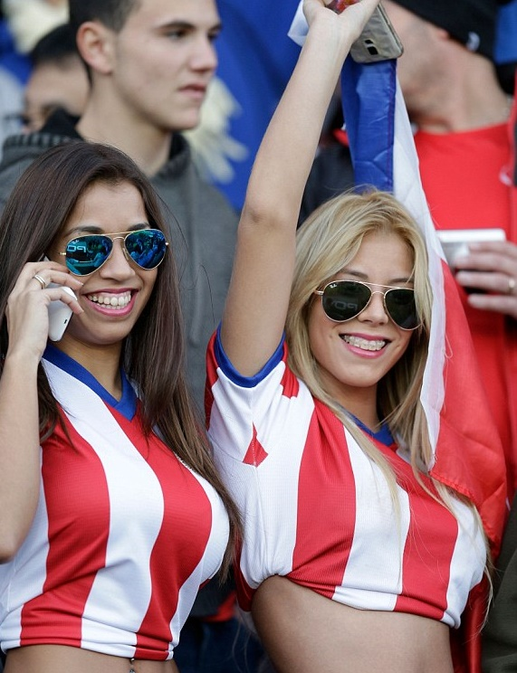 1434231503657_lc_galleryImage_Fans_of_Paraguay_wait_for