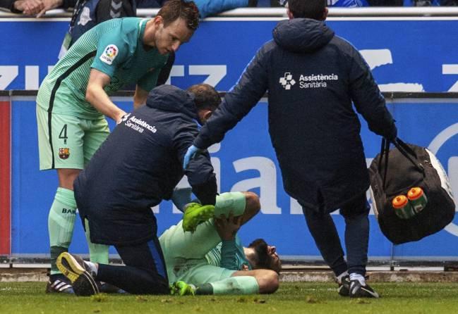 Enrique bàng hoàng sau chấn thương của Vidal - Bóng Đá