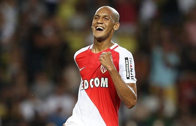 Fabinho muốn đến Anh, thành Manchester mừng thầm