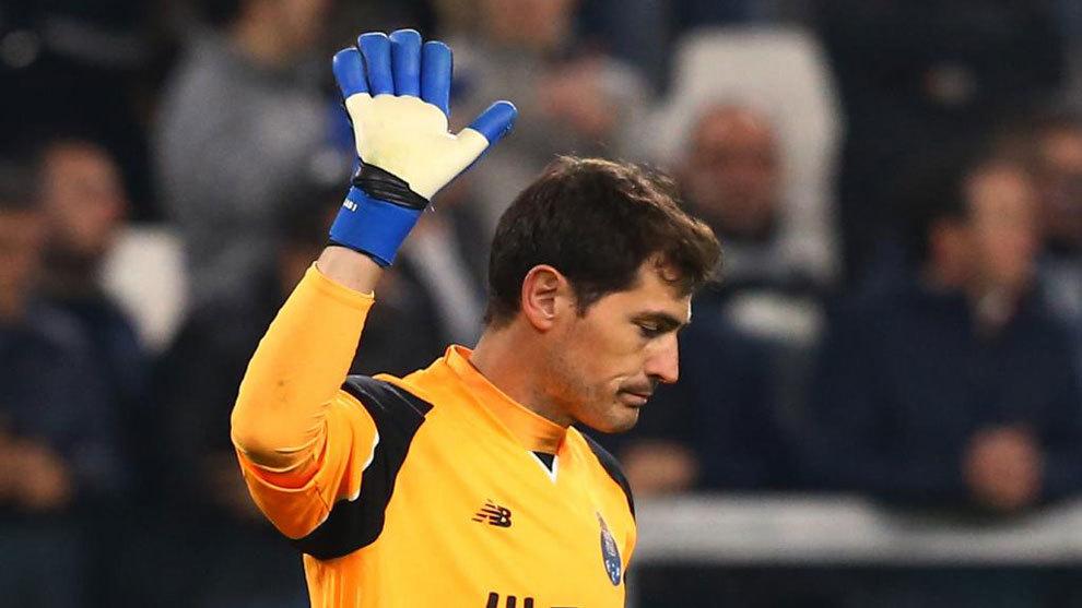 Vượt mặt Maldini, Casillas đi vào lịch sử cúp châu Âu - Bóng Đá