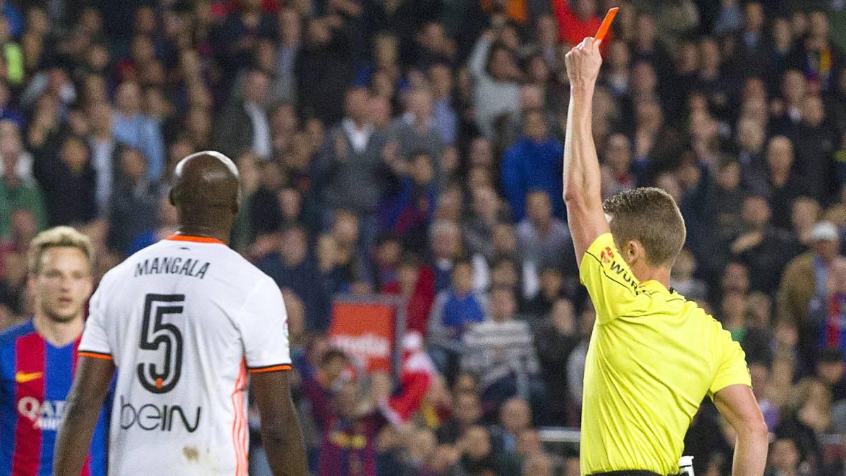 Thống kê SỐC: Barca được thiên vị nhất La Liga? - Bóng Đá