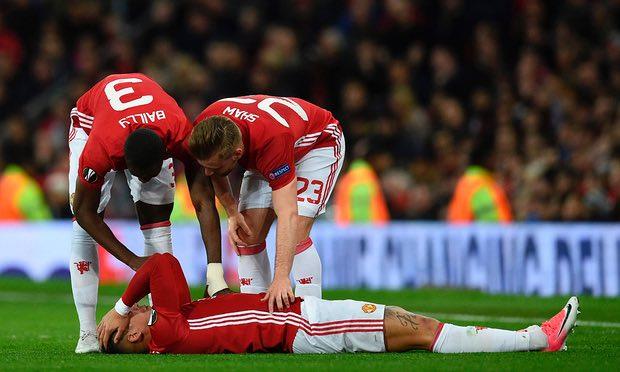 Ibra và Rojo chấn thương: Lỗi của Mourinho? - Bóng Đá