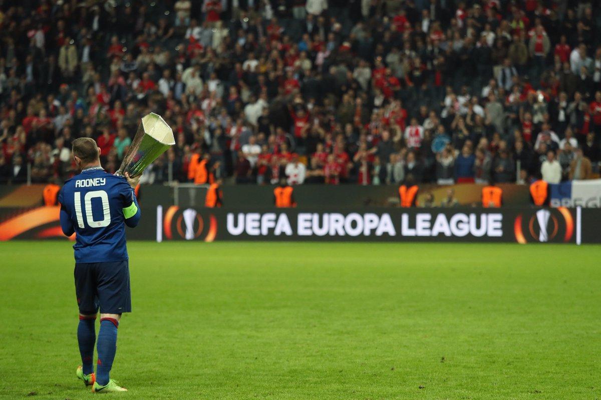 Rooney nhận được 'hàng tá' đề nghị