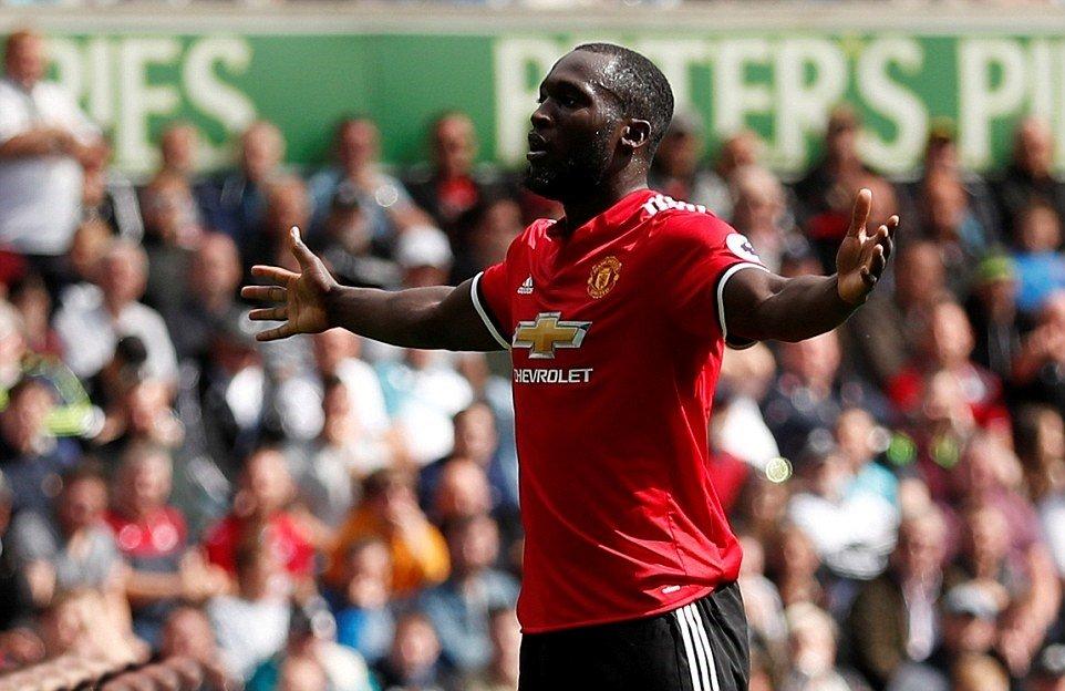 Nổ súng liên tục, Lukaku đi vào lịch sử Manchester United - Bóng Đá