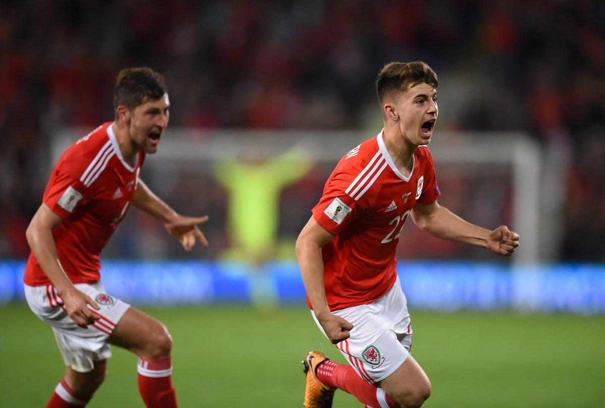 Thần đồng Liverpool khiến xứ Wales phát cuồng - Bóng Đá