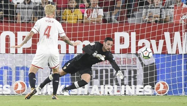 Sevilla có hàng phòng tốt nhất La Liga - Bóng Đá