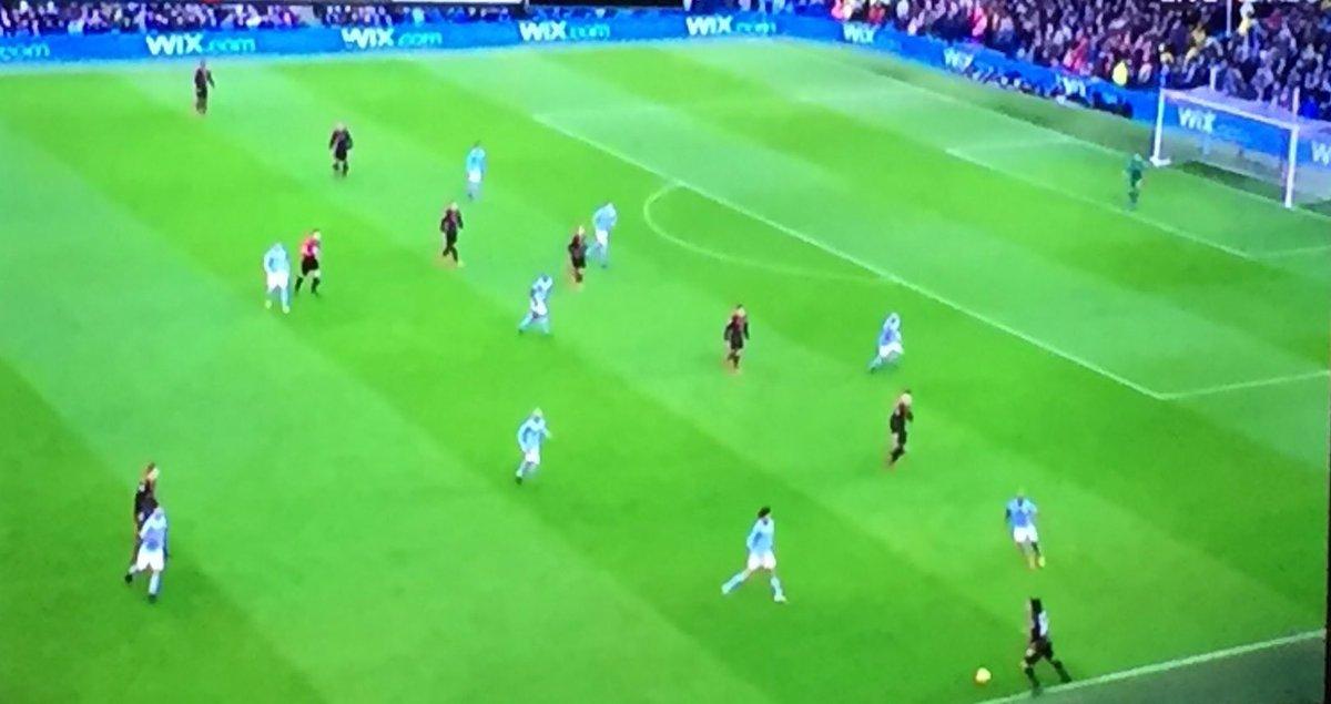 Arsenal thua vì chơi... tự sát - Bóng Đá