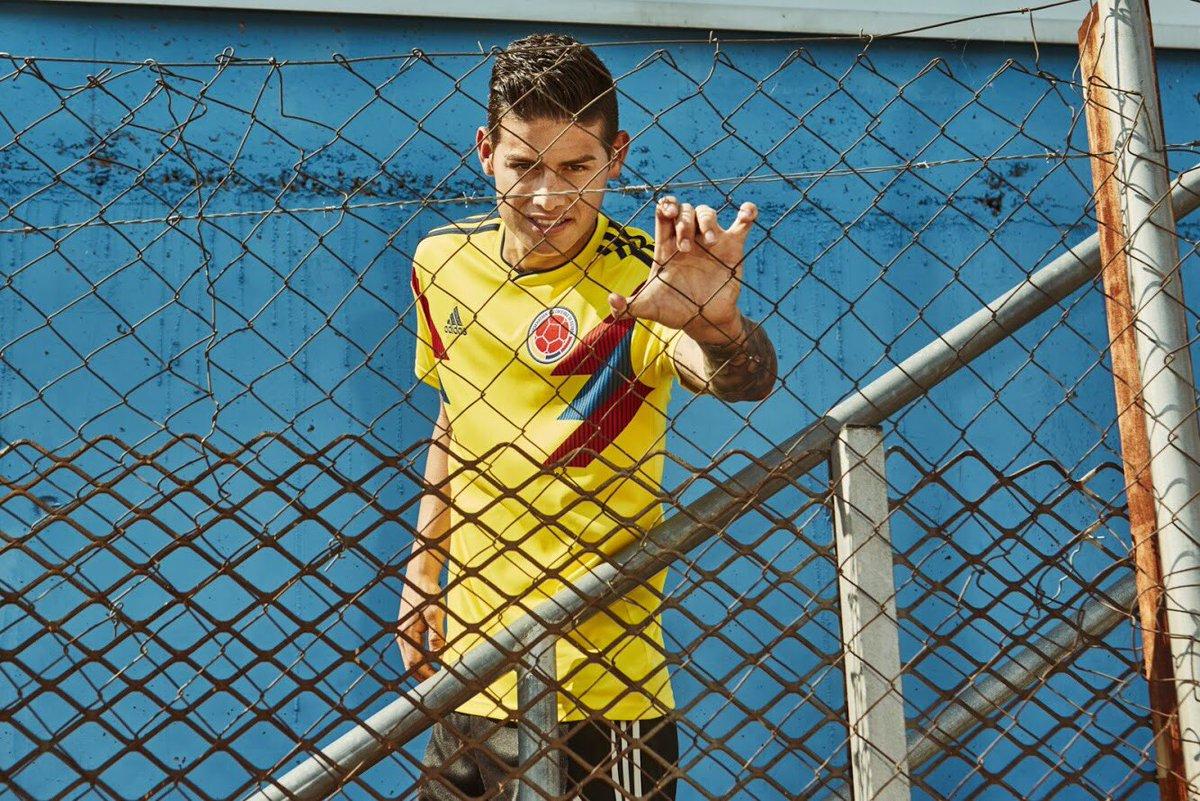 Áo đấu rực rỡ của ĐTQG Colombia - Bóng Đá