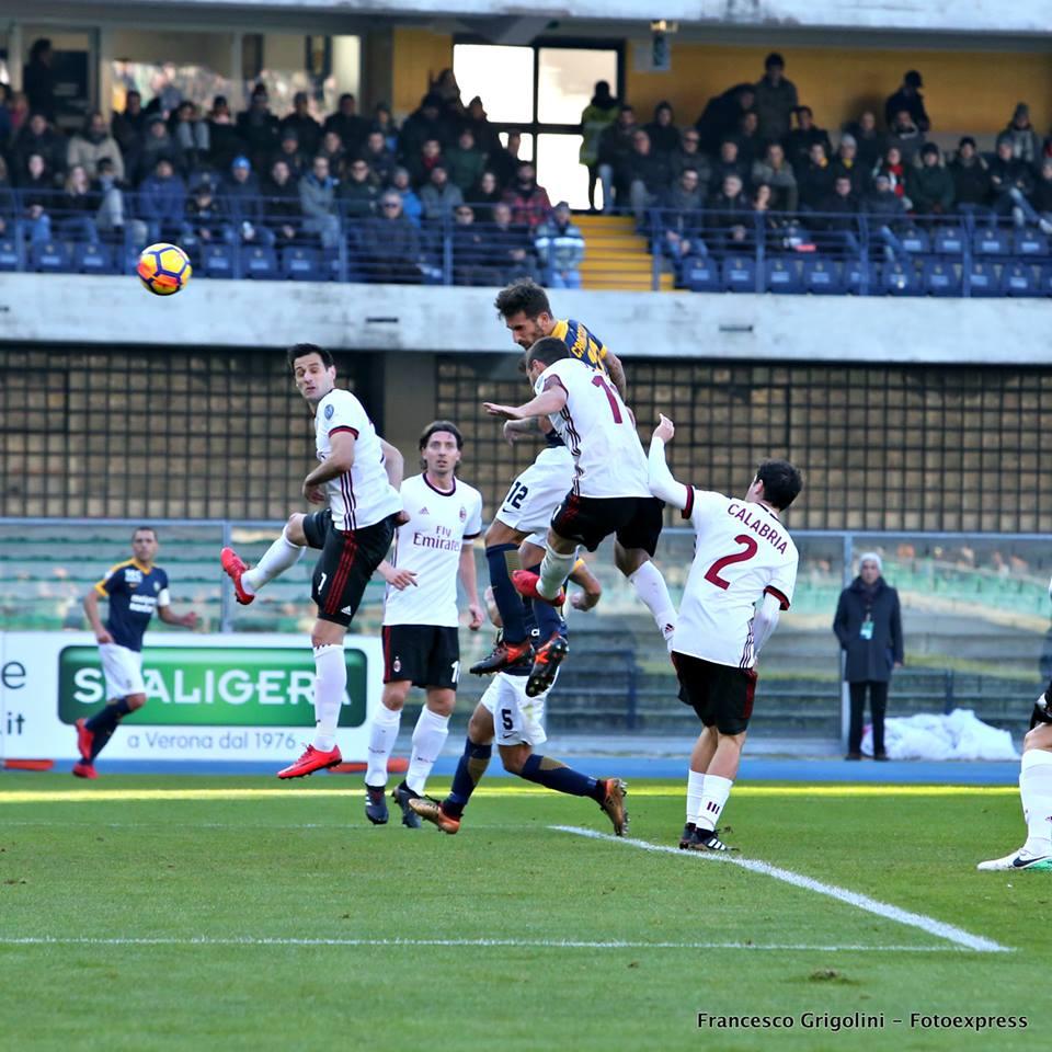 Thần đồng tỏa sáng, đội chót bảng nhấn chìm AC Milan - Bóng Đá