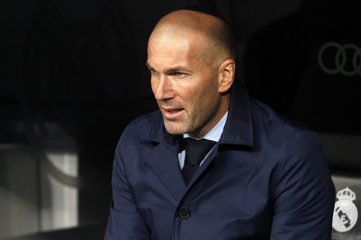 CHÍNH THỨC: Zidane gia hạn hợp đồng với Real Madrid - Bóng Đá