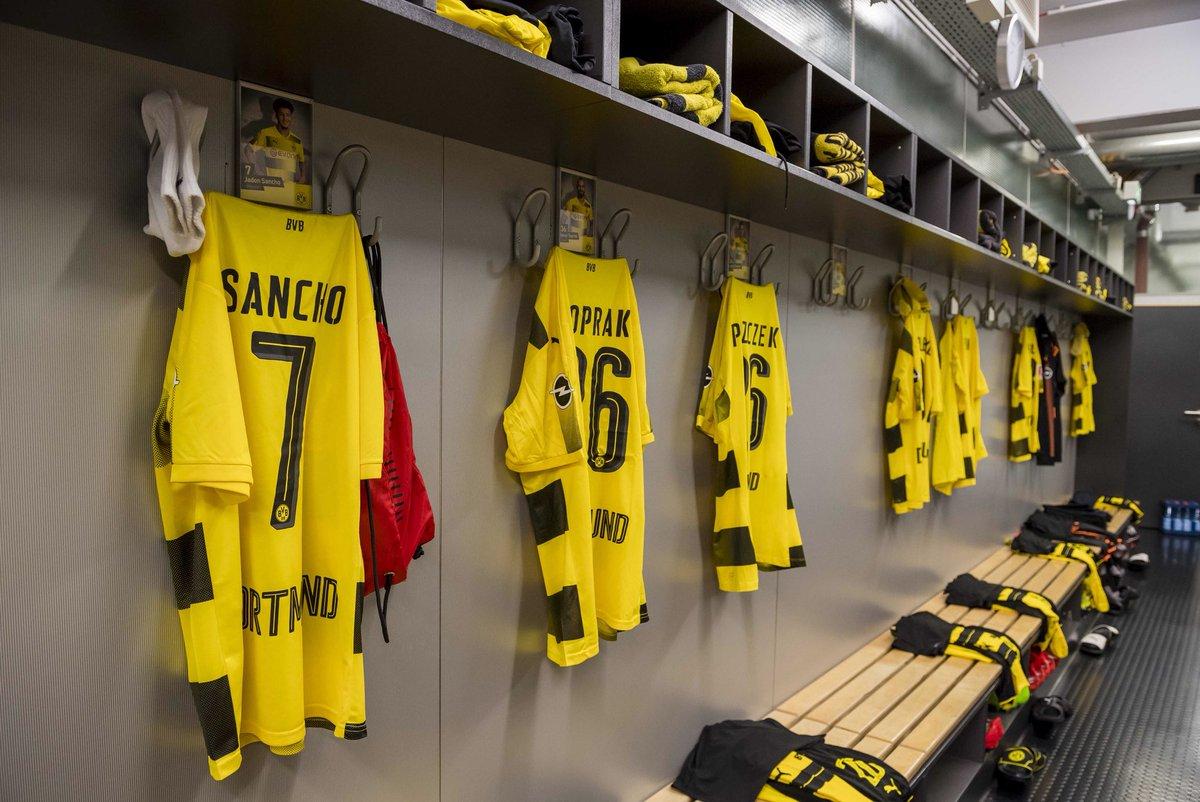 Thần đồng Dortmund đi vào lịch sử bóng đá Anh - Bóng Đá