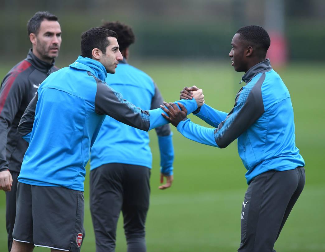 Henrikh Mkhitaryan mặc áo số 7, tập buổi đầu cùng Arsenal - Bóng Đá