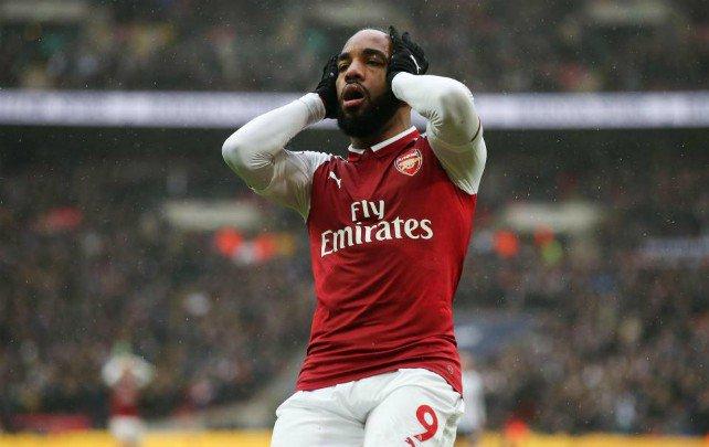 NÓNG: Arsenal gặp họa lớn, Lacazette chấn thương cực nặng - Bóng Đá
