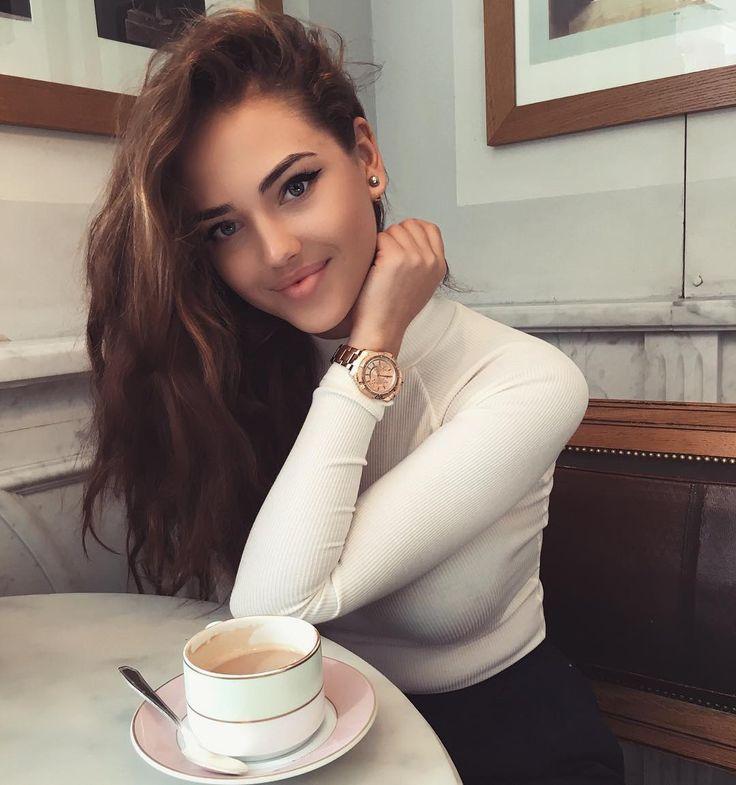Kristabel Krayt - Người đẹp sát cầu thủ của Nga - Bóng Đá