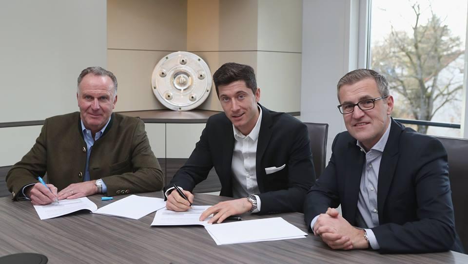 Chính thức: Lewandowski ở lại Bayern thêm 5 năm