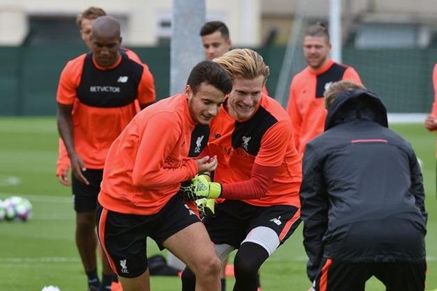 Chưa bổ sung lực lượng, Liverpool đã tiễn cầu thủ đầu tiên