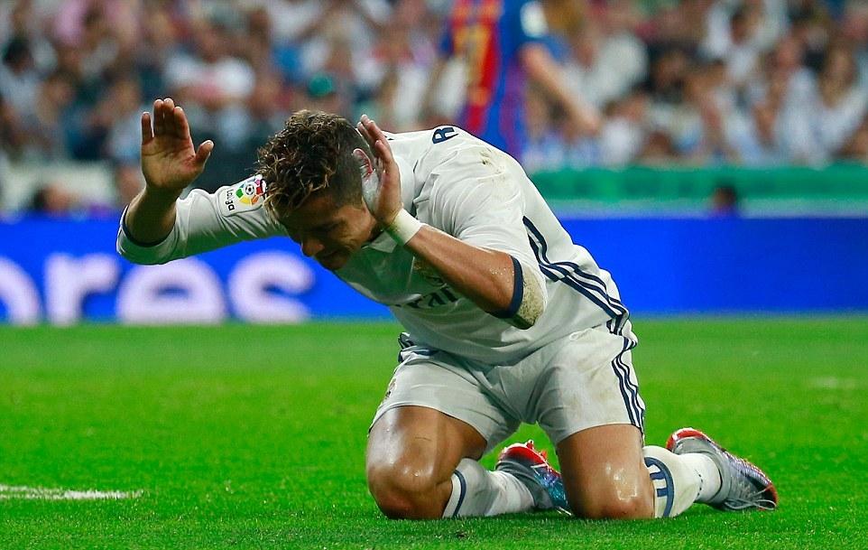 5 điểm nhấn Real 2–3 Barca: Ronaldo cúi đầu trước Messi - Bóng Đá