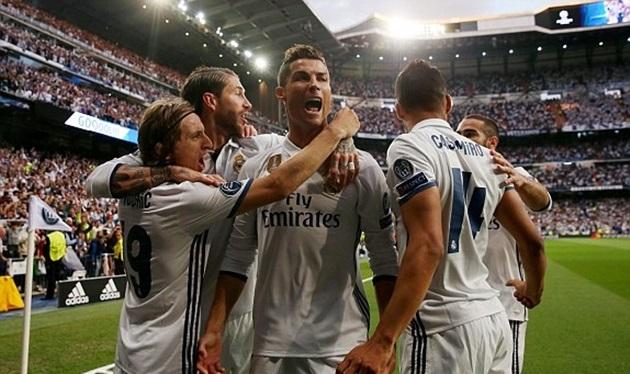 Thăng hoa với cú hat-trick, Ronaldo nhấn chìm Atletico - Bóng Đá