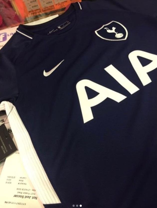 Lộ áo đấu Tottenham 2017/18: Nhuốm màu cổ điển - Bóng Đá