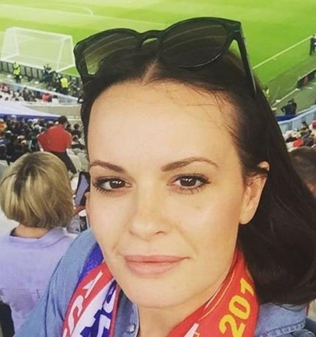 Ruby Ledley: Cô vợ xinh đẹp của ngôi sao xứ Wales - Bóng Đá
