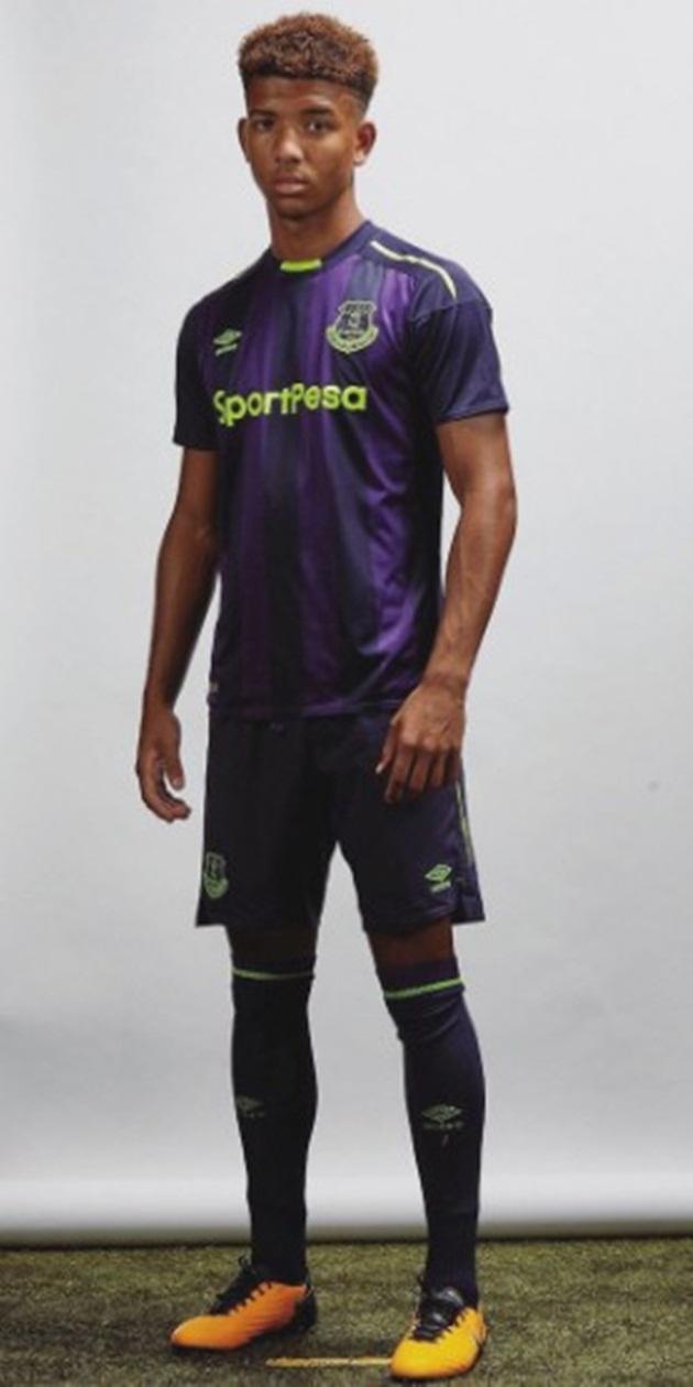 Ảnh áo đấu thứ 3 của Everton - Bóng Đá