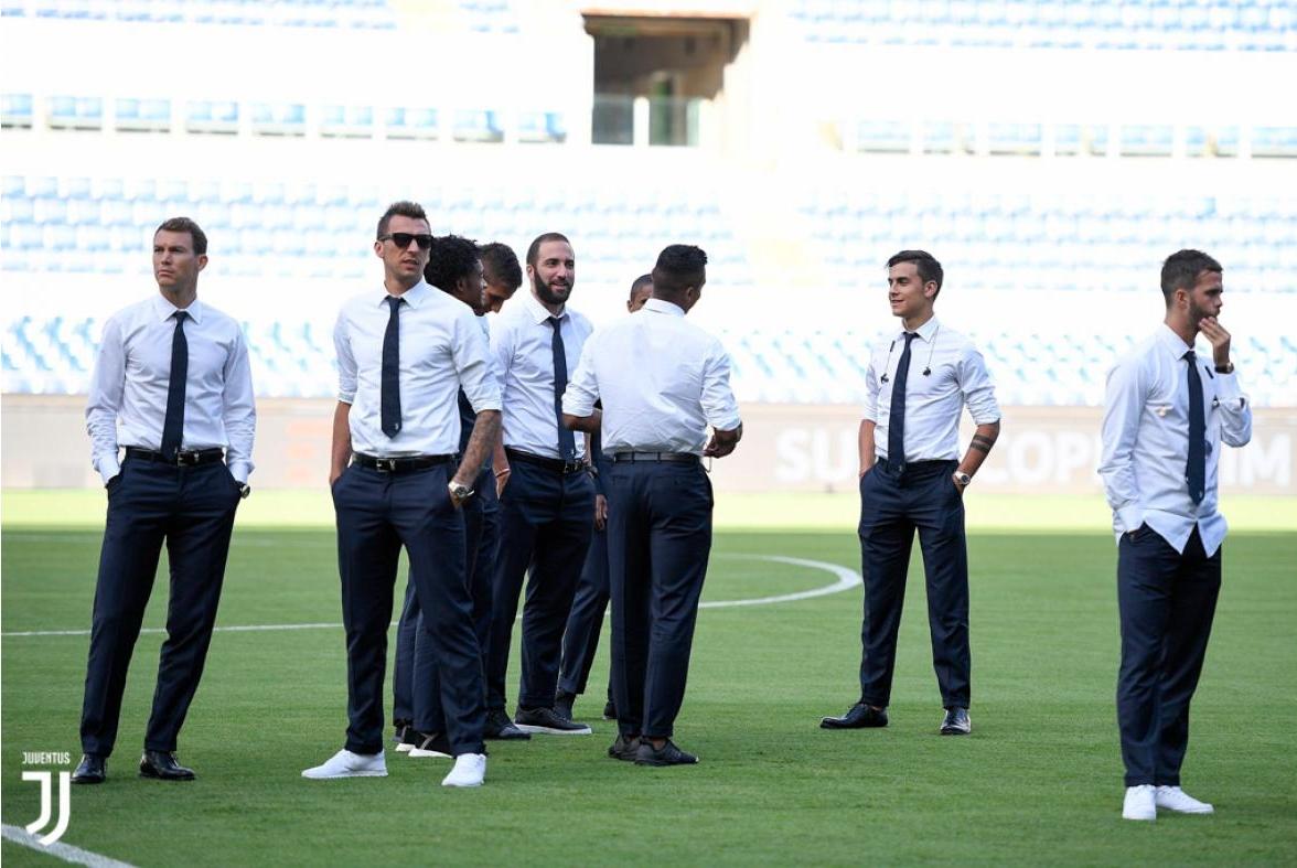 Các 'nam thần' Juventus đầy lịch lãm xuất hiện trên sân Olimpico - Bóng Đá