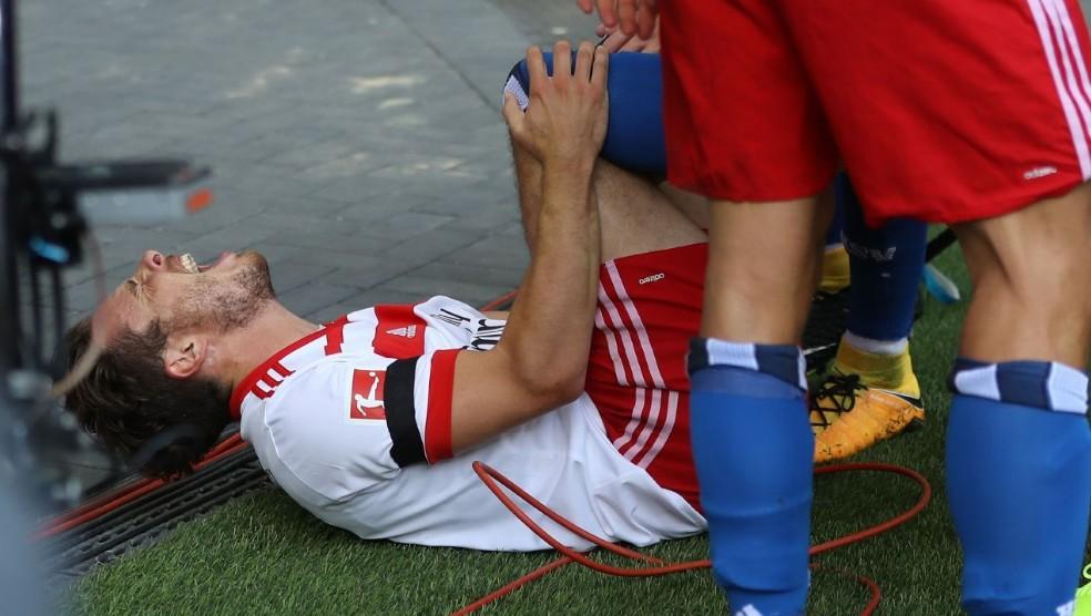 Ăn mừng phấn khích, sao Bundesliga nghỉ thi đầu 7 tháng - Bóng Đá