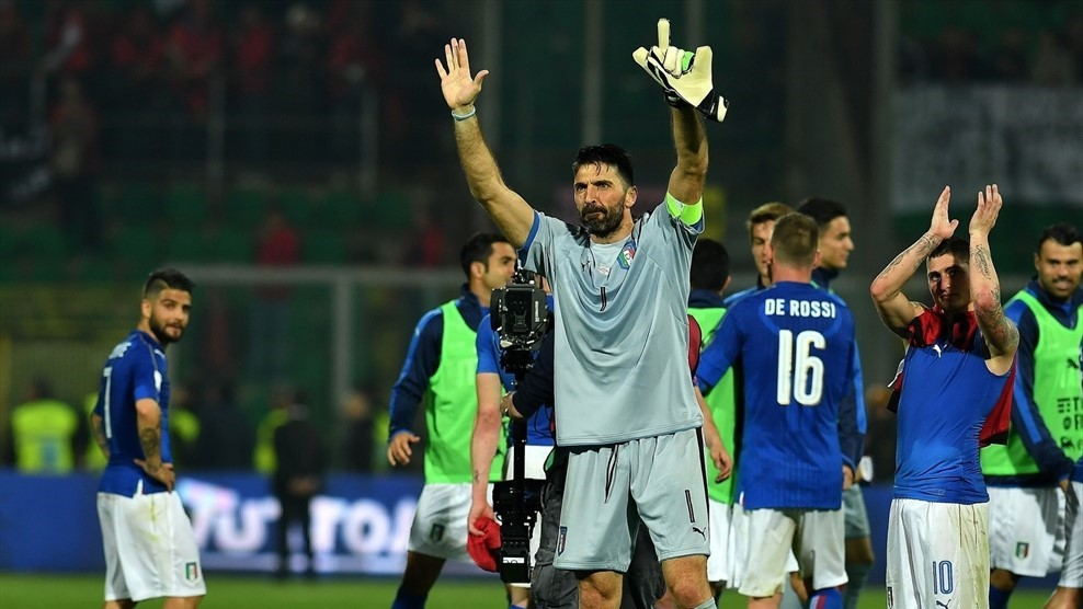 Ngày buồn của Italia, Buffon tuyên bố giải nghệ - Bóng Đá