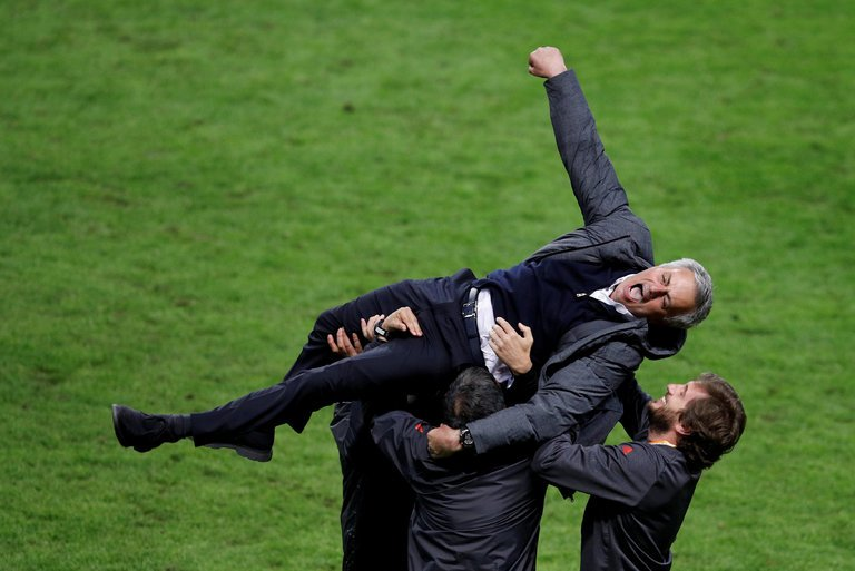 Jose Mourinho: Thành công hay không là nhờ thành tích - Bóng Đá
