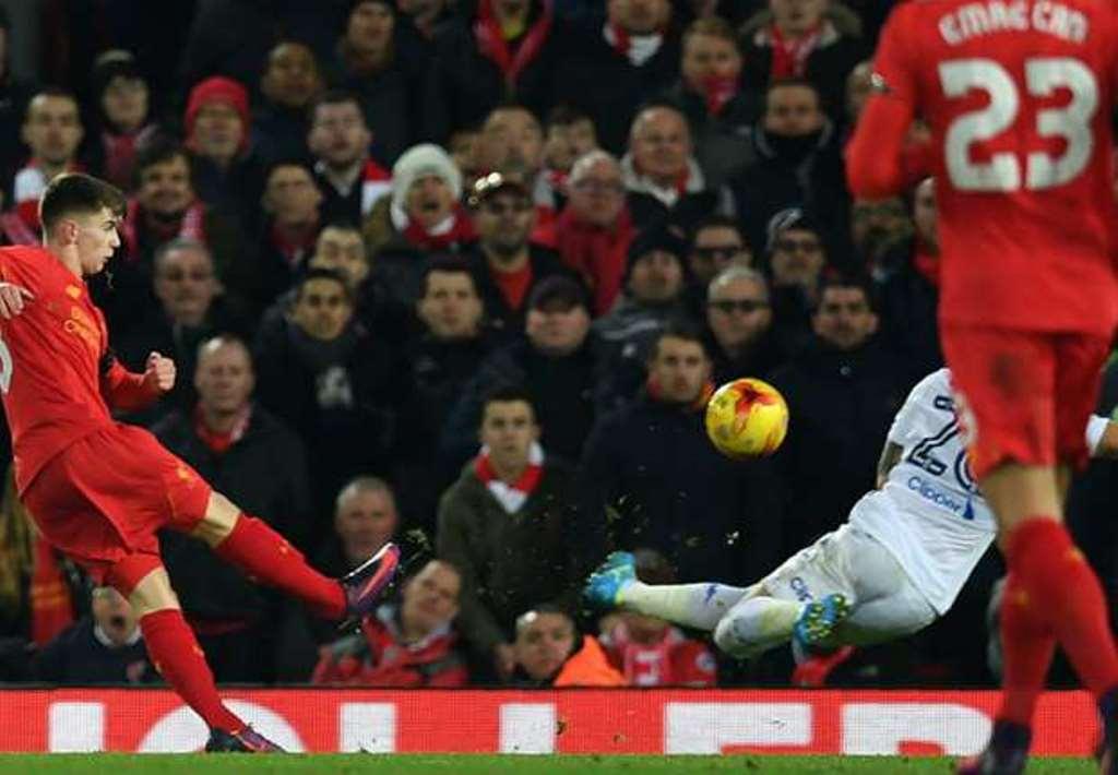 Fan Liverpool khen Ben Woodburn như Gerard mới, giỏi hơn cả Rashford