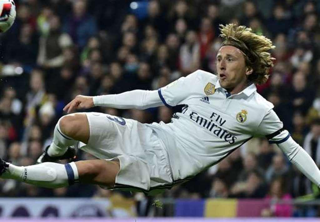 Vượt Rakitic, Modric giành giải thưởng lớn - Bóng Đá