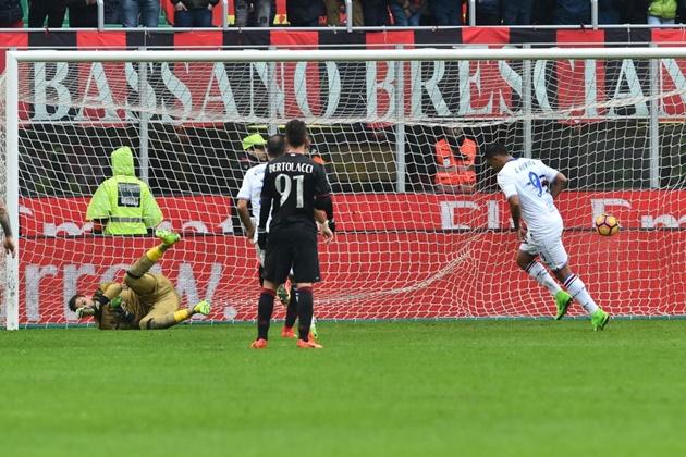 Dứt điểm yếu kém, AC Milan thua thất vọng Sampdoria