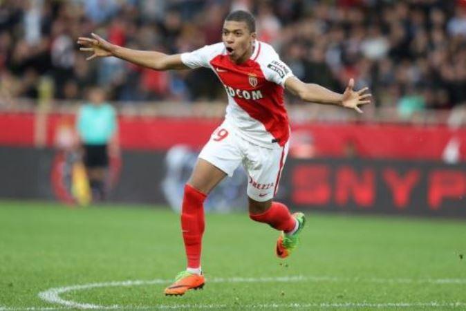 Kylian Mbappe còn xuất sắc hơn cả Thierry Henry - Bóng Đá
