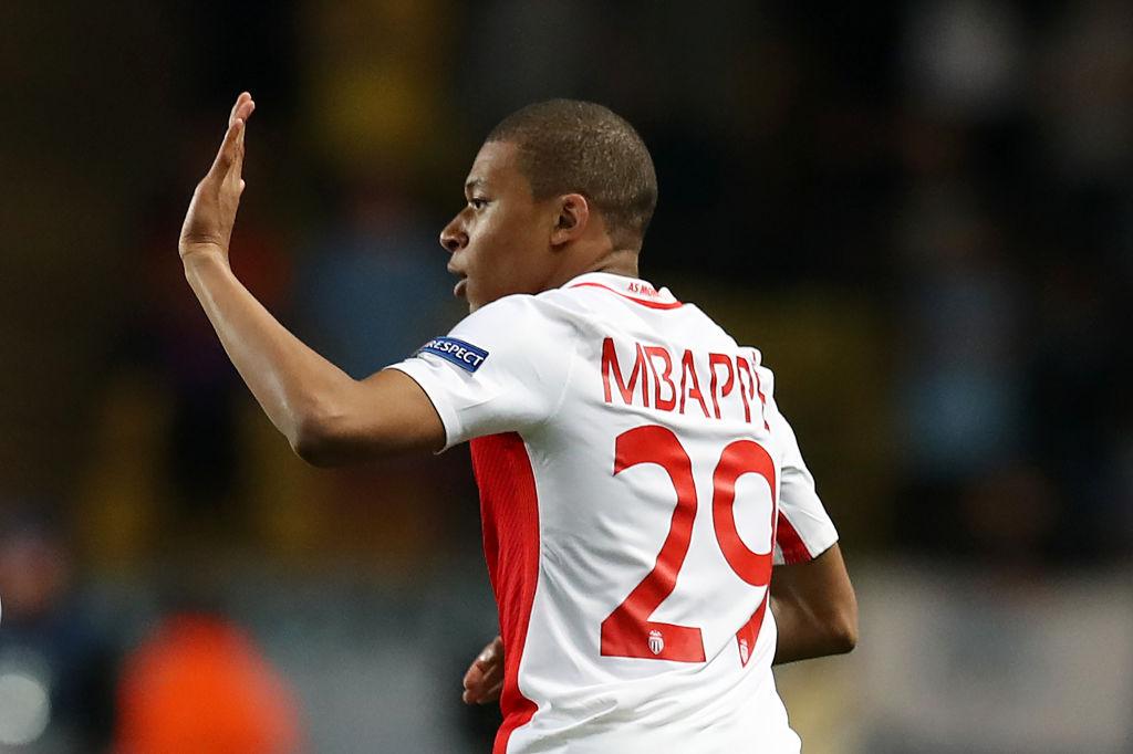 So sánh Henry, Martial và Mbappe ở tuổi 18