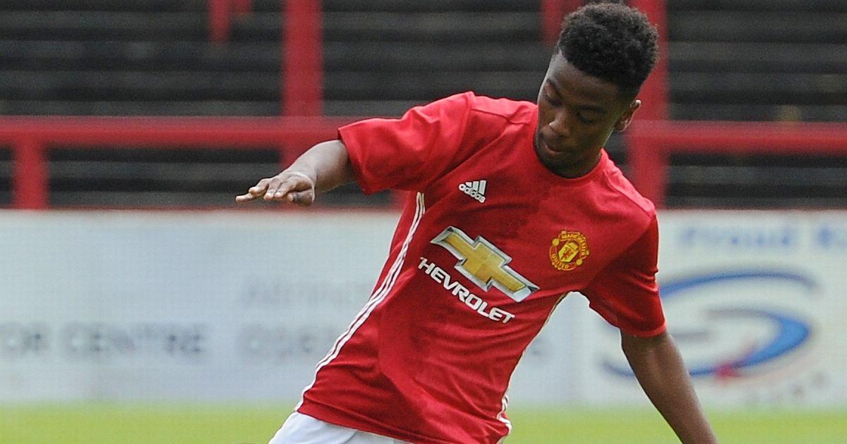 Man United sắp trình làng cầu thủ trẻ nhất lịch sử đá ở Premier League - Bóng Đá