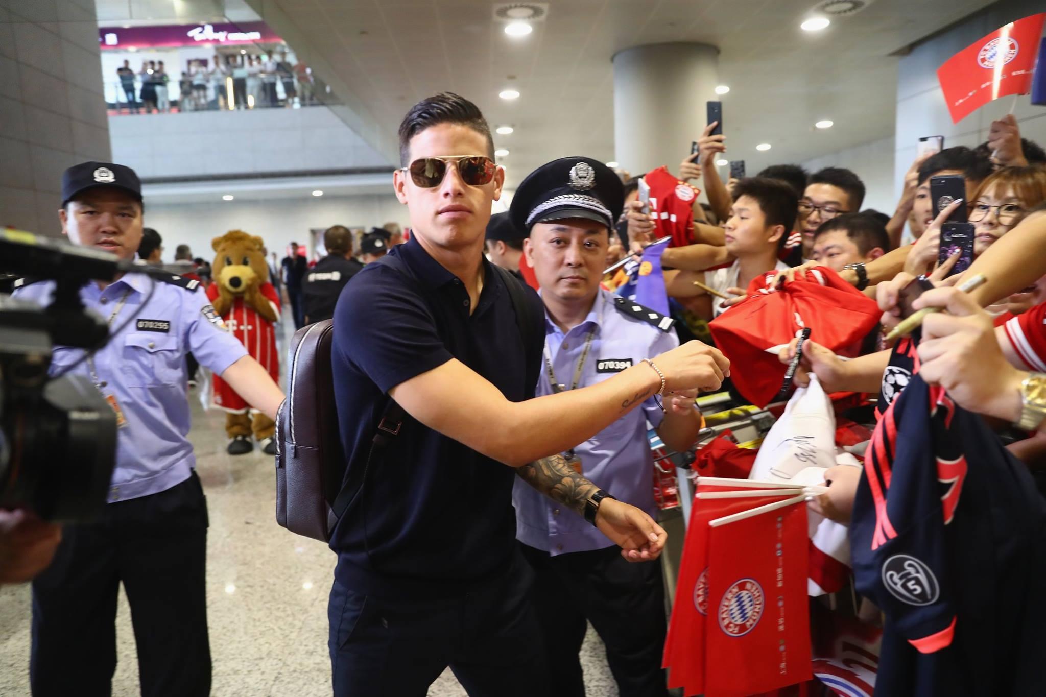 James Rodriguez bảnh trai hơn cả tài tử điện ảnh ở Trung Quốc - Bóng Đá