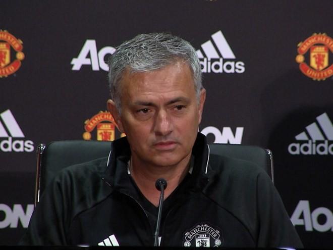 Thua thuyết phục Real, HLV Mourinho vẫn đổ lỗi trọng tài - Bóng Đá