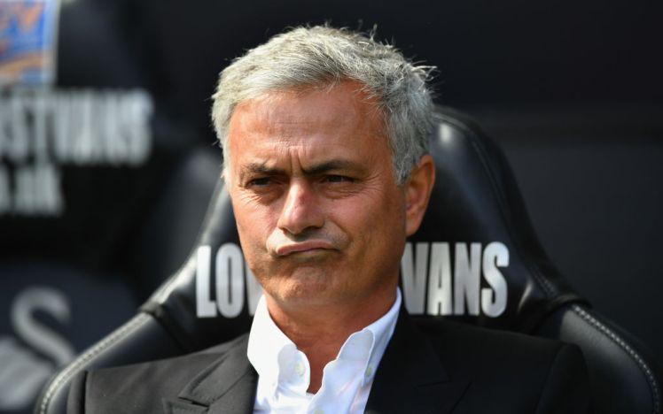 Mourinho không quan tâm đến kỉ lục của Man Utd - Bóng Đá