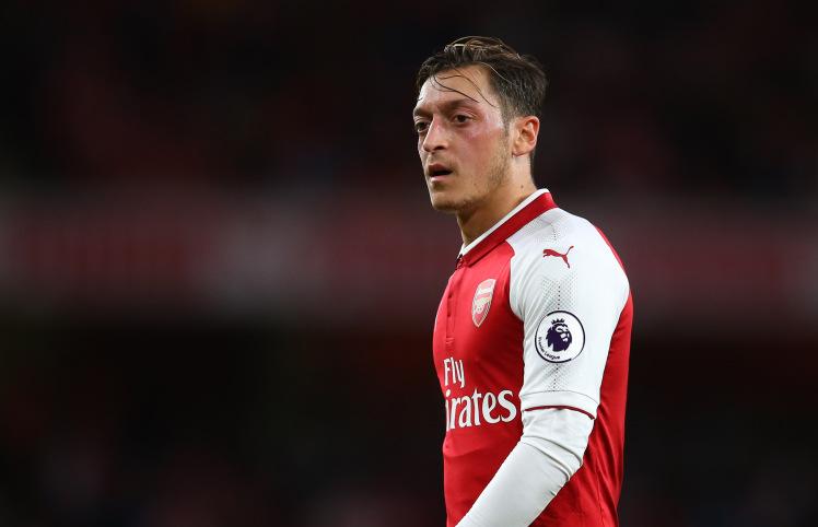 Mesut Ozil muốn đến Man Utd theo dạng chuyển nhượng tự do - Bóng Đá