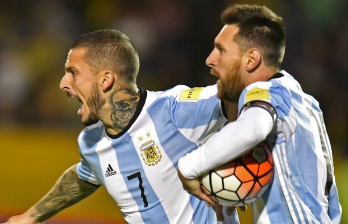 Ghi hat-trick vào lưới Ecuador, Lionel Messi lập thêm kỉ lục - Bóng Đá