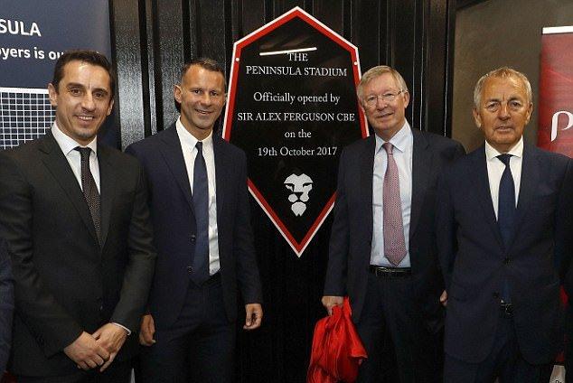 Sir Alex tham dự khánh thành SVĐ Salford City  - Bóng Đá