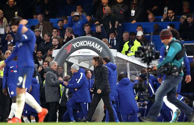 Bị Mourinho trách móc, Conte giải thích lí do không bắt tay sau trận - Bóng Đá