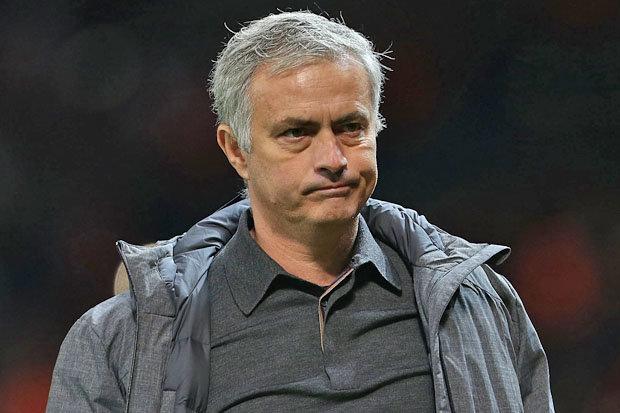 Didier Deschamps thúc Jose Mourinho đến PSG - Bóng Đá